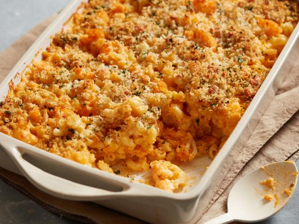 Buffalo Cauliflower Mac and Cheese
